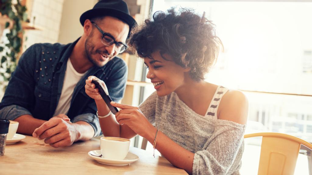 Comment les programmes de parrainages propulsent l'acquisition de clients